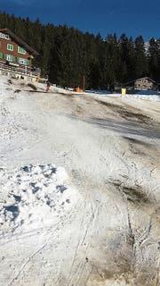 In den kleinen Urner Skigebieten liegt zurzeit zu wenig Schnee. (Bild: PD (Ratzi, 27. Dezember 2018)