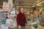 Brigitta Rölli in ihrem Dorfladen in der ehemaligen Käserei. Ende Jahr schliesst der Dorfladen in Happerswil endgültig. (Bild: Hannelore Bruderer)