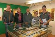 Es freuen sich (von links): Markus Blättler (Jungviehzüchter), Elisabeth Gander (Talmuseum), OK-Präsident Franz Scheuber, Nicole Eller (Talmuseum) und Michael Lussi (Jungviehzüchter). (Bild: Beat Christen)