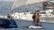 Auf dem Segelschiff Zwöi fahren René Hollermayer und Heidi Feller um die Welt – jeweils vollbepackt mit Vorräten für mehrere Wochen. (Bild: Bilder: PD)
