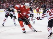 Philipp Kuraschew schoss beide Tore der Schweizer (Bild: KEYSTONE/AP The Canadian Press/DARRYL DYCK)