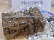 Das Haschisch war in 152 Säcken in einem Lastwagen versteckt. (Bild: Keystone/MARTIN SCHUTT)