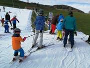 Viele Eltern kommen mit ihren Kindern ins Ski-Gebiet Ebenalp-Horn, damit die Kinder ein Gefühl für Skis entwickeln können. (Bild: Ines Biedenkapp)