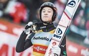 Eher wortkarg aber erfolgreich: der Japaner Ryoyu Kobayashi bei seinem Weltcup-Sieg in Engelberg. (Bild: Jürgen Feichter/Imago (16. Dezember 2018))