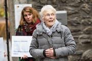 Schuldig wegen Förderung rechtswidriger Einreise: Anni Lanz vor dem Bezirksgericht in Brig. Bild: Dominic Steinmann/Keystone (Brig, 6. Dezember 2018)