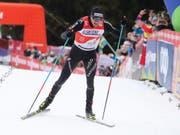 Dario Cologna auf den letzten Metern der letztjährigen Tour de Ski beim Anstieg zur Alpe Cermis. (Bild: KEYSTONE/AP ANSA/ANDREA SOLERO)