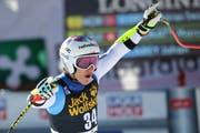 Marco Odermatt jubelt über seinen 8. Platz. (AP Photo/Marco Trovati)