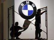 Der Automobilbauer BMW rechnet 2019 durch Rohstoffpreise und Währungen mit Gegenwind beim Gewinn. (Bild: KEYSTONE/EPA/BAGUS INDAHONO)