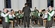 Am Adventskonzert in Azmoos führten die Trompeten ein musikalisches Zwiegespräch. (Bild: Heidy Beyeler)