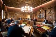 Die Bundesräte Simonetta Sommaruga, Guy Parmelin und Alain Berset hegen angeblich Wechselabsichten. Bild: Keystone (Bern, 10. Januar 2018)