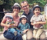 Claudia und Severin Kollros mit ihren Kindern Mattia, Marlon und Elio (von links). (Bilder: PD)