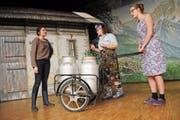Auf dem Hof haben Frauen das Zepter übernommen: Aussteigerin Carmen (Erika Zumbühl), Untermieterin Nadja (Manuela Odermatt), Haushälterin Aline (Sonja Barmettler). (Bilder: Rosmarie Berlinger (Oberdorf, 18. Dezember 2018))