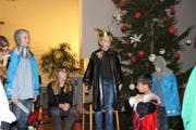 Die Sisiger Schüler führten «D'Zäller Wiehnacht» von Paul Burkhard auf. (Bild: PD)