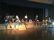 Die Oberstufenschüler der Freifächer Theatergruppe und haben seit Sommer geprobt.