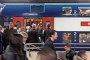 Fortschritt oder Ursache von Problemen? Der neue, seit Mitte Dezember gültige Fahrplan bekam nicht nur positive Rückmeldungen. (Bild: Keystone/Gaetan Bally)