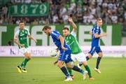 Im Sommer bestritt der FC St. Gallen - im Bild mit Vincent Sierro (links) und Andreas Wittwer - die zweite Qualifikationsrunde zur Europa League gegen Sarpsborg. (Bild: Benjamin Manser)