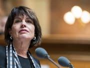 Umweltministerin Doris Leuthard plädiert im Nationalrat vergeblich dafür, bei der CO2-Reduktion einen Inlandanteil festzulegen. Durchgesetzt haben sich SVP und FDP. (Bild: KEYSTONE/ALESSANDRO DELLA VALLE)