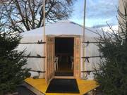Die Adventsjurte hat einen Durchmesser von neun Meter und bietet Sitzplätze für 50 Besucherinnen und Besucher.