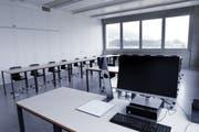 Blick in ein Unterrichtszimmer der Gewerblich-industriellen Berufsschule Zug. (Bild: Werner Schelbert (Zug,5. Juli 2018))