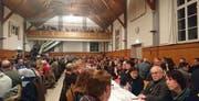 Blick in die Gemeindeversammlung am Montagabend. (Bild: Nicole D'Orazio)