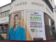 Freude in Wil: Die Stadt feiert «ihre» Bundesrätin. Die Beizenszene der Stadt prägte das Leben von Karin Keller-Sutter. (Bild: Nathalie Grand/Keystone-SDA)