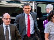 Der ehemalige Nationale Sicherheitsberater von US-Präsident Trump kooperiert mit Sonderermittler Mueller bei der Untersuchung der Russland-Affäre. Daher fordert Mueller nun nur eine kleine Strafe ohne Haftzeit für Flynn. (Foto: Jim Lo Scalzo/ EPA Archiv) (Bild: KEYSTONE/EPA/JIM LO SCALZO)