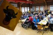 Rund 70 Personen verfolgten die Bundesratswahlen (Bild: Urs Hanhart, Erstfeld, 5. Dezember 2018)