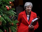 Die britische Premierministerin Theresa May will offenbar nicht am kommenden Sonntag an einem TV-Duell zur Verteidigung ihres Brexit-Abkommens teilnehmen. (Bild: KEYSTONE/AP/KIRSTY WIGGLESWORTH)