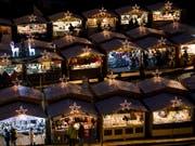 Die Weihnachtsmärkte in der Schweiz expandieren uns spielen auch im Tourismus eine wichtige Rolle. (Bild: KEYSTONE/ALEXANDRA WEY)
