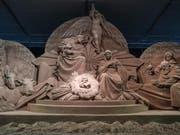 700 Tonnen Sand haben sich auf dem Petersplatz in Rom in eine Weihnachtskrippe verwandelt. (Bild: Keystone/EPA/ALESSANDRO DI MEO)