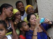 Kubaner sollen von Donnerstag an dauerhaft das mobile Internet auf ihren Smartphones nutzen können. (Bild: KEYSTONE/EPA EFE/ROLANDO PUJOL)