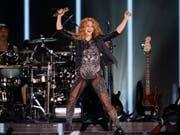 Der kolumbianischen Sängerin Shakira droht Ärger mit den spanischen Steuerbehörden. (Bild: KEYSTONE/AP/MARCO UGARTE)