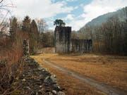 Bei der Ruine Weissenau brachten 2001 Rechtsradikale einen 19-jährigen Kollegen um. (Bild: KEYSTONE/YOSHIKO KUSANO)