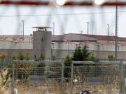 Die Türkei geht weiter hart gegen angebliche Gülen-Anhänger vor. Mehrere Personen wurden inhaftiert. (Bild: KEYSTONE/AP/THANASSIS STAVRAKIS)