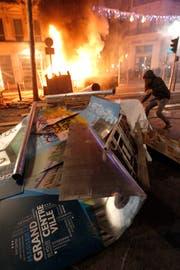 Strassenschlachten in Marseille am 1. Dezember 2018. (Bild: AP Photo/Claude Paris)