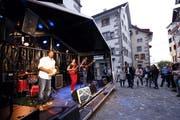 An der Jazz Night wird die Zuger Altstadt abgeriegelt. Im Bild die Eliane Amherd Band. (Bild: Werner Schelbert (Zug 24. August 2018))