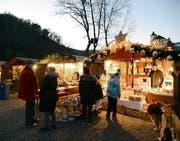 Auch der 15. Chlausmarkt am See vermag die Besucher in eine vorweihnachtliche Stimmung zu versetzen. (Bild: Hansruedi Rohrer)