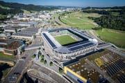 Aus dieser Perspektive sehen Piloten den Kybunpark in St.Gallen, wenn sie über St.Gallen-Winkeln fliegen. (Bild: Michel Canonica und Benjamin Manser)