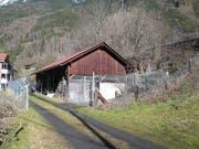 Dieser frühere Pferdestall im Gebiet Schützen in Silenen soll zur Katzenstation ausgebaut werden. (Bild: PD)