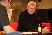 Heinz Keller (rechts) im Gespräch mit Talkmaster Ruedi Bomatter. (Bild: Remo Infanger (Altdorf, 7. Dezember 2018))