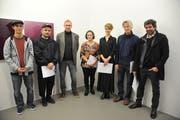 Die Preisträger (von links) Benjamin Kluser, Luca Gisler, Hanspeter Keller, Vreny Wyrsch, Franziska Brücker, Felix Gisler und Simon Ledergerber. (Bild: Urs Hanhart (Altdorf, 8. Dezember 2018))