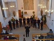 Die Choralgruppe Weinfelden singt unter der Leitung von Franz Feldmann. (Bild: Christoph Heer)