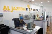 Der katarische TV-Sender Al Jazeera ist Israel ein Dorn im Auge. (Bild: Keystone)