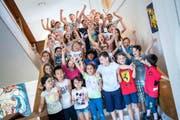 Geschafft! Die Kinder des Littauer Schulhauses Rönnimoos freuen sich auf die grossen Ferien. (Bild Boris Bürgisser)