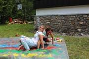 Buntes Spiel – Mädhcne der Jubla Udligenswil in Giswil. (Bild: zvg)