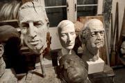 Rolf Brems populäre Figuren in seinem Atelier in Meggen. (Bild: Archiv Neue LZ)