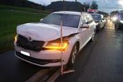 An den Autos entstand 30'000 Franken Schaden. (Bild: Zuger Polizei)