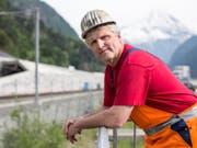 Seit er 16 Jahre alt ist, arbeitet er im Bergbau: Rene Kaufmann, einer der Gotthard-Basistunnel-Mineure, in Erstfeld. (Bild: Keystone/ALEXANDRA WEY)