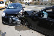 Diese zwei Autos prallten an der Rothenburgstrasse ineinander. (Bild: Luzerner Polizei)