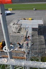 Hier liegt am Samstag Schnee: Die 18 Meter hohe Rampe ist gegenwärtig im Bau. (Bild: Geri Wyss / Neue NZ)